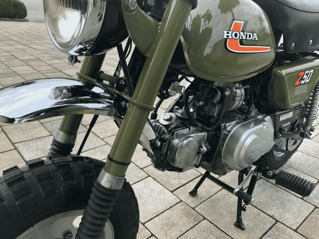 Honda Monkey 1976 in perfect conditon - fork detail