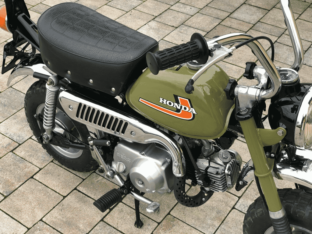 Honda Monkey 1976 in perfect conditon - right side detail
