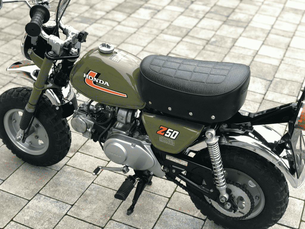 Honda Monkey 1976 in perfect conditon - view from left behind